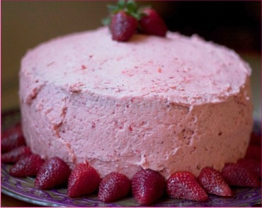 strawberry cake gurgaon
